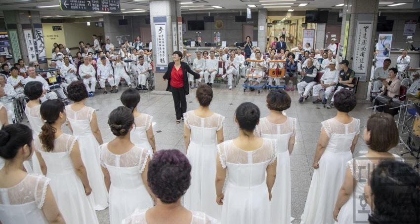 [크기변환]5. 대덕구 여성합창단, 찾아가는 힐링음악회(1).jpg