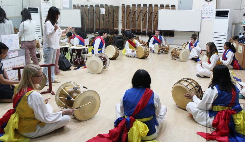 [크기변환]미국 욜로카운티 청소년, 대전 유성에서 한국 전통문화 체험.JPG